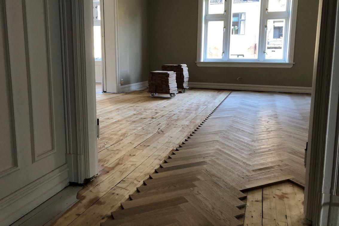 Legging av tradisjonelle gulv